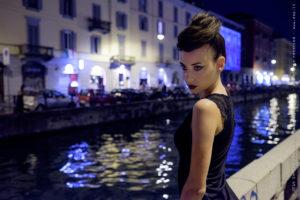 Ritratto fotografico, fotografia di moda, foto notturna
